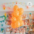 balony-pomaranczowe-w-groszki-kropki-Wiewiorka-i-Spolka-dots-orange-latex-balloons-Squirrel-and-Company